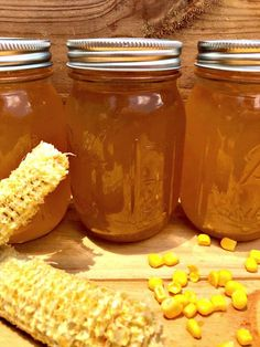 If you love honey, you'll adore this super simple corn cob jelly recipe! It's the perfect no-waste canning recipe! Use it for ice cream, toast, pancakes or anywhere else you would use honey! It's delicious! Jelly Recipes, Corn Recipes, Jam Recipes, Dessert Recipes, Desserts, Drink Recipes, Cooker Recipes, Recipies, Corn Cob Jelly