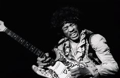 Jimi Hendrix on stage at Monterey Festival, June 1967 © Bruce Fleming Rock And Roll, Noel Redding, Monterey Pop Festival, Jimi Hendrix Experience, Backing Tracks, Chuck Berry, Stevie Ray Vaughan, Guitar Solo, Keith Richards