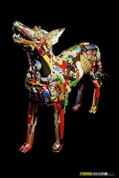 Junk Sculptures like Leo Sewell,  Robert bradford, Zac Freeman  and Donald Edwards makes art out of scraps, they collects from rubbish ...