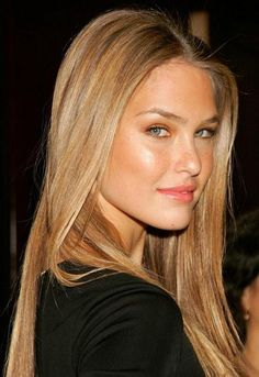 Bar Rafaeli ... if I could choose to look like someone else, it would be her ... such a stunningly pretty natural beauty!  I have never seen a bad picture of her!