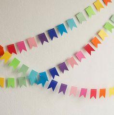 Recycling for handmade garlands, 15 brilliant decoration ideas - . - Recycling for handmade garlands, 15 brilliant decoration ideas – - Diy Birthday Banner, Diy Banner, Birthday Table, Bunting Banner, Diy And Crafts, Crafts For Kids, Paper Crafts, Paper Bunting, Paper Garlands