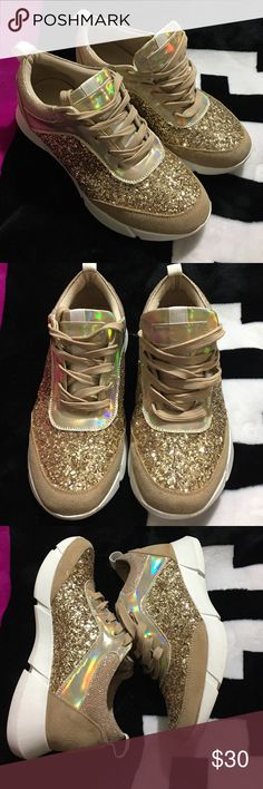 Gold Bling Shoes iridescent Great Condition no box🖤No Holds 🖤Be respectful No rude comments=Blocked 🖤Bundle and save on shipping 10% off 🖤No Separating Of Item 🖤No trying on items  🖤If items are listed it's still available  🖤Please Use Offer Button will not respond to what's your lowest  Honest Buyer/Seller/Trader shop with confidence  Items comes from a SMOKING home if that's a problem don't purchase, Ask Questions all items are described accurately.  Thanks for Looking🖤 Shoes…