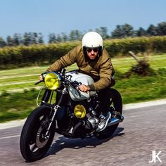 #caferacersociety #caferacerxxx #caferacerworld #cool #awesome #iwc14 #caferacerporn #bmw #r100 #bmwcaferacer #airhead #boxer #caferacer #motor #iwcmotorcycles #motors #vintagemotorcycle #caferacerculture #custommotorcycle #bike #caferacers #bratstyle #caferacersofinstagram #vintage #bikersofinstagram #caferacerclub #croig #ridecafe59 #riding #bmwmotorad by arjanvandenboom