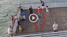 Num tiro certeiro, este homem pescou um drone em pleno vôo.