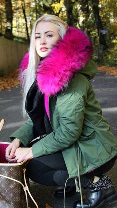 Hunter Green Parka w. Hot Pink Faux Fur Trim