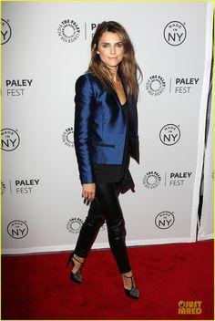 Eear a metallic blazer with pretty black basics for an elegant party look. Keri Russell
