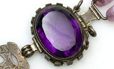 """Safiro púrpura de Delhi, """"maldito"""" y otras joyas consideradas de mala suerte."""