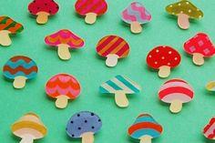 きのこ2 福家聡子の雑貨のブログ Uv Resin, Resin Art, Diy And Crafts, Arts And Crafts, Miscellaneous Goods, Shrink Art, Shrinky Dinks, Shrink Plastic, Plastic Sheets