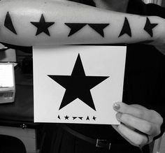 Pin for Later: 43 Hunky-Dory Tattoos That Pay Homage to David Bowie Black Tattoos, Cool Tattoos, Tatoos, Awesome Tattoos, First Tattoo, Get A Tattoo, Dory Tattoo, David Bowie Tattoo, Bowie Blackstar