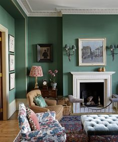 Green drawing room in Kensington - wall colors, sconces, rug, chair upholstery, red patterned lampshade - Gavin Houghton London Living Room, Home Living Room, Victorian Living Room, English Interior, Classic Interior, Interiors Magazine, Family Room Design, Restaurant Interior Design, Green Rooms