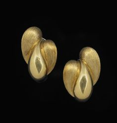 18 Kt. Yellow Gold Henry Dunay Ear Clips