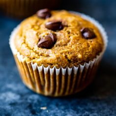 The best healthy pumpkin muffins made with whole wheat flour, naturally sweetened with pure maple syrup and loaded with cozy pumpkin spices. These healthy pumpkin muffins are freezer friendly and delicious with a few chocolate chips! Great for kids and any time you're craving a fall snack. #pumpkinrecipe #pumpkin #pumpkinmuffins #muffinrecipe #healthysnack Healthy Muffin Recipes, Good Healthy Snacks, Healthy Muffins, Snack Recipes, Healthy Baking, Healthy Gourmet, Kitchen Recipes, Baking Recipes, Butternut Squash Muffins