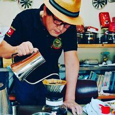 #커피와_당신의_이야기 #함라한옥마을 #이희두교수 #원광대 #커피장인 #카페순례자 #1원블로그  커피와 당신의 이야기, 함라한옥마을 이희두 교수  http://m.blog.naver.com/akuempak/220800789375