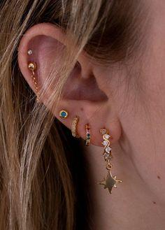 Large Gold Circle Drop Earrings – Big Hoop Earrings/ Sparkly Hoops/ Geometric Earrings/ Elegant Hoops/ Circle Earrings/ Gifts for Her – Fine Jewelry Ideas – Beauty Wedding Nails Pretty Ear Piercings, Ear Peircings, Face Piercings, Ear Lobe Piercings, Lip Piercing, Ear Jewelry, Cute Jewelry, Jewelry Accessories, Jewellery