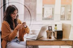 Cheerful woman browsing smartphone in cafe Photo Customer Relationship Management, Instagram Feed, Instagram Ideas, Google Voice, Smartphone, Growth Hacking, Passion Project, Online Income, Online Entrepreneur