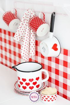 red heart kitchen Kitchen Decor, Red And White Kitchen, Red Kitchen, Vintage Kitchen, Country Kitchen, Red Gingham, Gingham Decor, Red Plaid, Enamel Ware