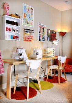 O ambiente destinado a abrigar seu ateliê em casa deve ser alegre, aconchegante, confortável e bem bonito. Acessórios diferentes e fofos sã...