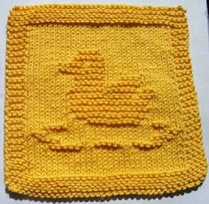 Ravelry: Rubber Ducky pattern by Melissa Bergland Burnham Knitted Dishcloth Patterns Free, Knitted Washcloths, Dishcloth Knitting Patterns, Crochet Dishcloths, Knitting Stitches, Knit Patterns, Knitting Blocking, Knitting Squares, How To Purl Knit