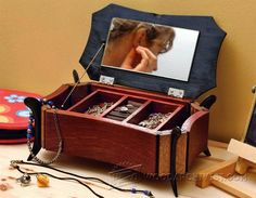 Inlaid Jewellery Box Plans - Woodworking Plans and Projects | WoodArchivist.com