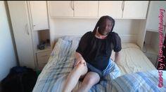 Alle Männer werden mit einem Stempel versehen, welche auf Nylon (Feinstrumpfhosen) und Füße stehen. Ich verstehe nicht was daran schlimm ist wenn ein Erwachsener Mann sich eine Nylonstrumpfhose anzieht und sich darin wohlfühlt??  Oder er sich gerne um die Füße seiner Partnerin etc. Kümmert..??  Ich gehe gerne Online mit meinen Beiträgen in die Öffentlichkeit!!!  VIEL SPASS