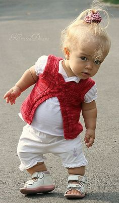 Kids Discover SylviKnits Wild Wild Red Wild Vanilla by Elena Nodel. Precious Children, Beautiful Children, Beautiful Babies, Little People, Little Ones, Little Girls, Cute Baby Pictures, Baby Photos, Baby Images