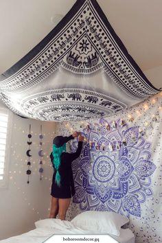 Lavendel-Liebes-Mandala-Tapisserie The post Lavendel-Liebes-Mandala-Tapisserie appeared first on İvi Hippy Bedroom, Bohemian Bedroom Decor, Boho Room, Tapestry Bedroom Boho, Tapestry On Ceiling, Wall Tapestry, Hippie Tapestries, Purple Bedroom Decor, Hanging Tapestry