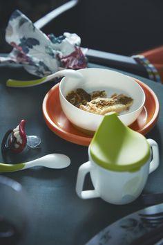 El toque de color lo pone SMÅGLI. (€ 4) Ikea, Panna Cotta, Ethnic Recipes, Food, Dishes, Food Recipes, Big Kitchen, Pop Of Color, Kitchens