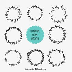 Sketched floral wreath Free Vector