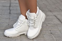 white mountain boots