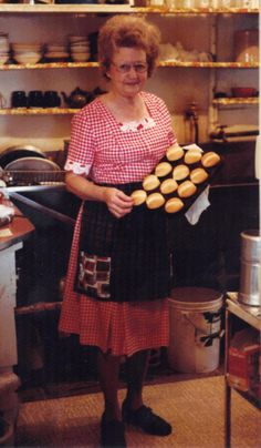 Tilley Tillotson of the famous Tilley's Cafe in Palo Pinto shows off her fresh dinner rolls. 1980