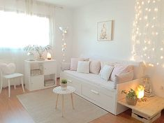 With these beautiful bedrooms designs, there's a room for everyone.bedroom decor ideas, shopping tips, and designer examples are sure to inspire you. Ikea Daybed, Daybed Room, Daybed Bedroom Ideas, Small Room Bedroom, Home Decor Bedroom, Girls Bedroom, Girls Daybed, Master Bedroom, Bedrooms