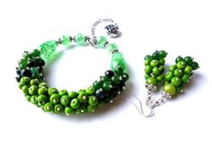 Hey, I found this really awesome Etsy listing at https://www.etsy.com/listing/178453296/green-bracelet-green-earrings-gemstone