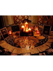 Add a seance room to your dead & breakfast inn…complete with a OUIJA board, Tarot Cards and Candles Wiccan, Witchcraft, Magick, Photo Bougie, Yule, Fall Halloween, Halloween Party, Halloween 2019, Halloween Stuff