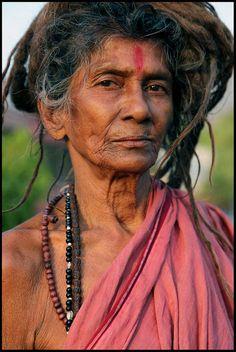 Google Image Result for http://divineshaktifestival.com/wp-content/gallery/photo-gallery/shakti-woman.jpg