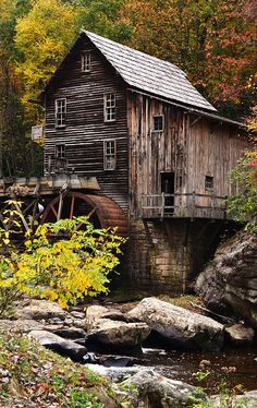 Abandoned Houses, Abandoned Places, Old Houses, Country Barns, Country Life, Old Grist Mill, Water Mill, Country Scenes, Old Farm