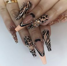 32 super cute nail art ideas for long nails in 2019 00103 Glam Nails, Dope Nails, Bling Nails, Coffen Nails, Fabulous Nails, Gorgeous Nails, Nail Swag, Nagel Bling, Super Cute Nails