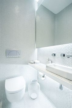 Architecture, White Wall Hexagon Mosaic Ceramic Tile Simple Minimalist Bathroom Design Ideas: The Comfortable Apartment Living by the Market...