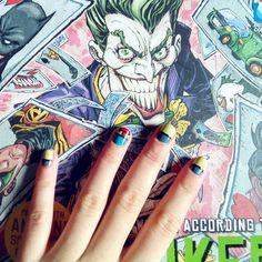 Uñas inspiradas en #Batman y #Superman