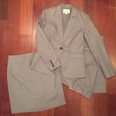 ✨Banana Republic Three-Pc Pinstripe Suit Set ✨ Career-Minded? Innovator? Aspire to the corner office? This ✨Banana Republic Three-Pc Pinstripe Suit Set ✨ will take you there. Blazer - Trouser  - Skirt all in grey pinstripe and in perfect condition. Skirt length is 21 inches. Trousers have a 33 inch inseam, original length, Martin Fit. Always dry cleaned. Banana Republic Jackets & Coats Blazers
