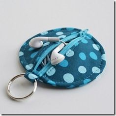 Bring your Earbuds along (untangled) with this cute & handy pouch. Free Sewing Pattern.