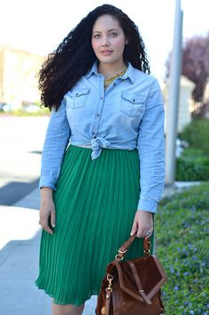 "Girl with Curves is one of my all time FAVOURITE ""plus-size"" - CURVY - bloggers!!!"