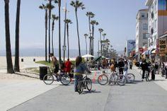 La Playa De Venecia, una de las mejores opciones para disfrutar de las tardes de #LosAngeles, bajo el sol y frente al inmenso Océano Pacífico.  http://www.bestday.com.mx/Los-Angeles-area-California/ReservaHoteles/
