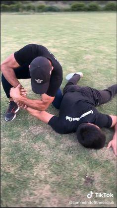 Mixed Martial Arts Training, Martial Arts Workout, Self Defense Moves, Self Defense Martial Arts, Martial Arts Techniques, Self Defense Techniques, Jiu Jutsu, Jiu Jitsu Training, Gymnastics Workout