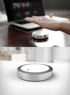 Flow is a programmable, wireless controller for your computer and connected devices. Hand gesture recognition, sensitive touch and precise haptics make Flow the perfect tool for anyone who wants to work, play and create in the digital world.