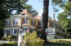 Lamplight Inn Bed & Breakfast in Lake Luzerne, New York | B&B Rental