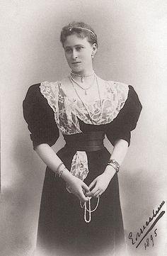 1895 Ella