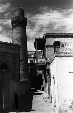 Dark Row, 1938. The covered portion of the Verkhnyi bazaar, extending from the Minaret of Dzhuma to the Shamakhi gate and Caravan Saray. Azerbaidjan, Baku