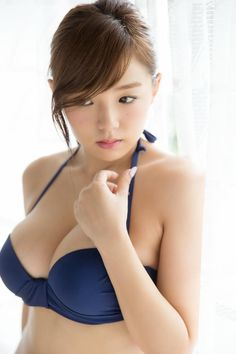 We've prepared some lovely new pictures of Ai Shinozaki and Liu Fei Er for you today. Enjoy checking these photos out as always! Japanese Beauty, Japanese Girl, Asian Beauty, Laetitia Casta, Japanese Models, Beautiful Asian Women, Beautiful Ladies, Up Girl, Sexy Asian Girls