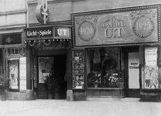 UT Connewitz - Fassade von 1925. Das UT Connewitz ist das älteste noch erhaltene Lichtspieltheater Leipzigs und eines der ältesten Deutschlands. Es befindet sich an der Wolfgang-Heinze-Straße 12 in Connewitz. Dresden Germany, Broadway Shows, Dreams, Vintage, Leipzig, Historical Pictures, Vintage Advertisements, Black White Photos, Nostalgia