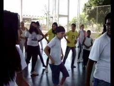 O flashmob realizado pela EE Profa. Dalva Vieira Itavo, da diretoria de ensino de Barretos, foi o vencedor do Circuito de Juventude 2012. A galera aproveitou um jogo de futebol para realizar uma intervenção super animada na escola.